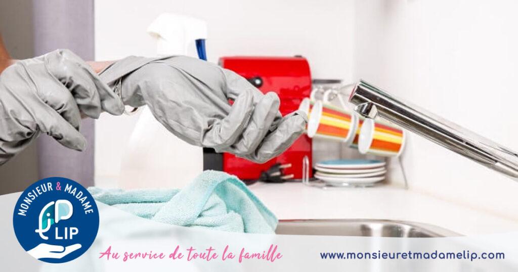 Nettoyage de la cuisine et lavabo